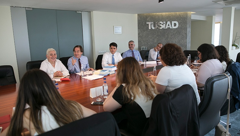 Dr. Malte Köllner with the members of TÜSIAD
